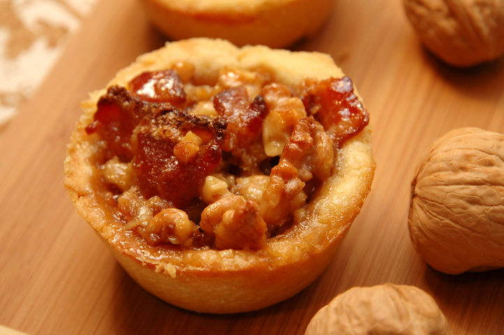 The Ultimate California Walnuts Holiday Tartlet