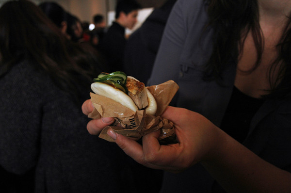 I adore the starchy comfort of noodles, I really do, but Momofuku's pork bun made my day. Locally raised pork, hoisin, scallion and cucumber in a soft steamed bun = BLISS.