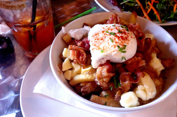 montreal-breakfast-poutine