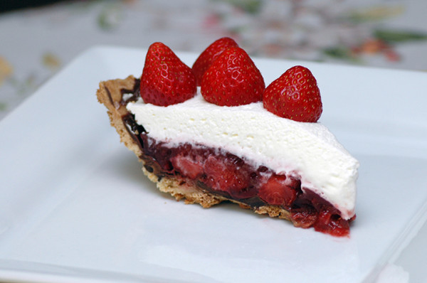 strawberry-pie-slice-01